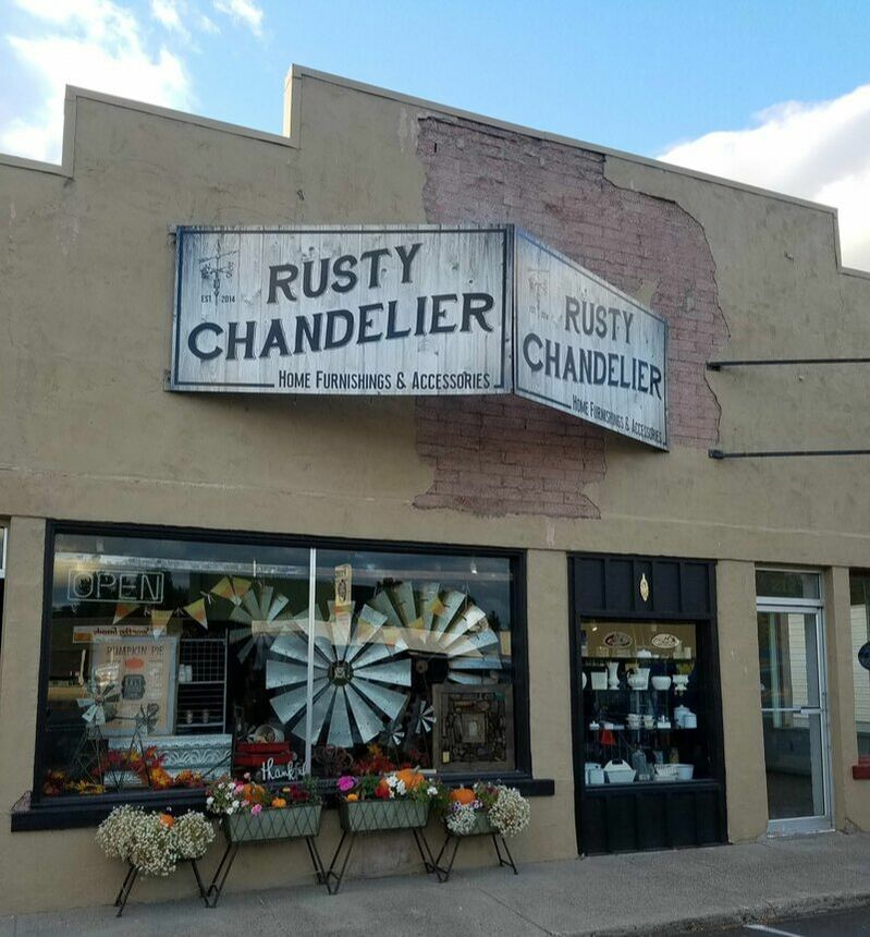 Outside of Rusty Chandlier shop in historic building